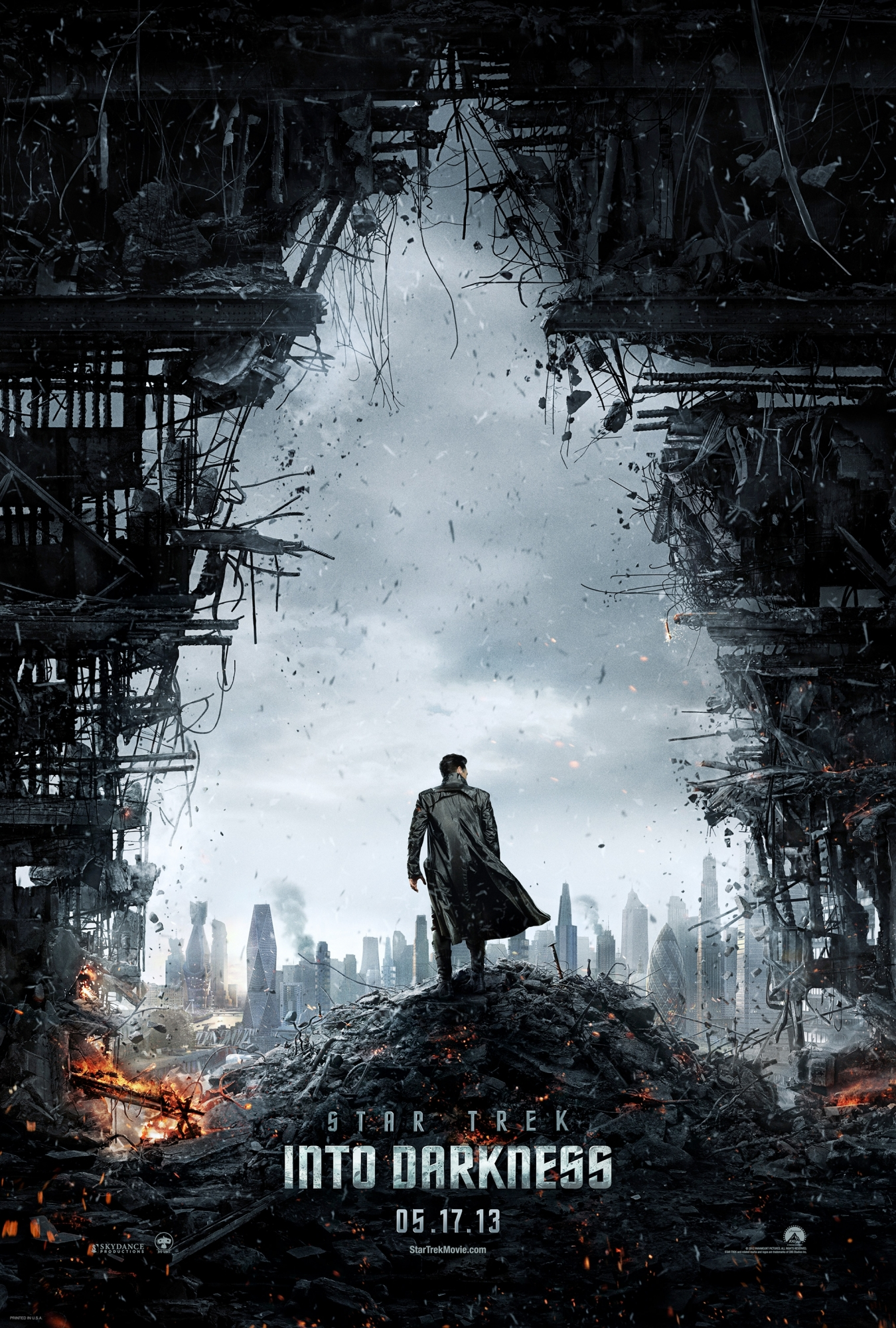 90861354521265 poster1 New Star Trek Into Darkness Motion Poster And First Look Featurette Released