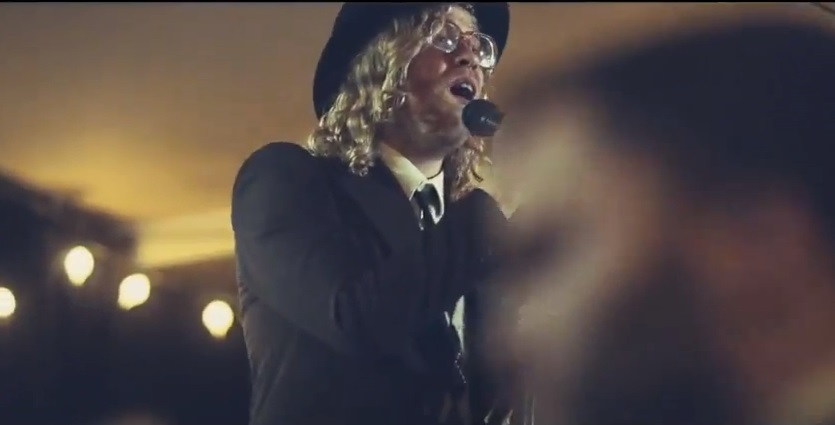 Allen Stone Allen Stone Wants You To Celebrate Tonight In New Music Video