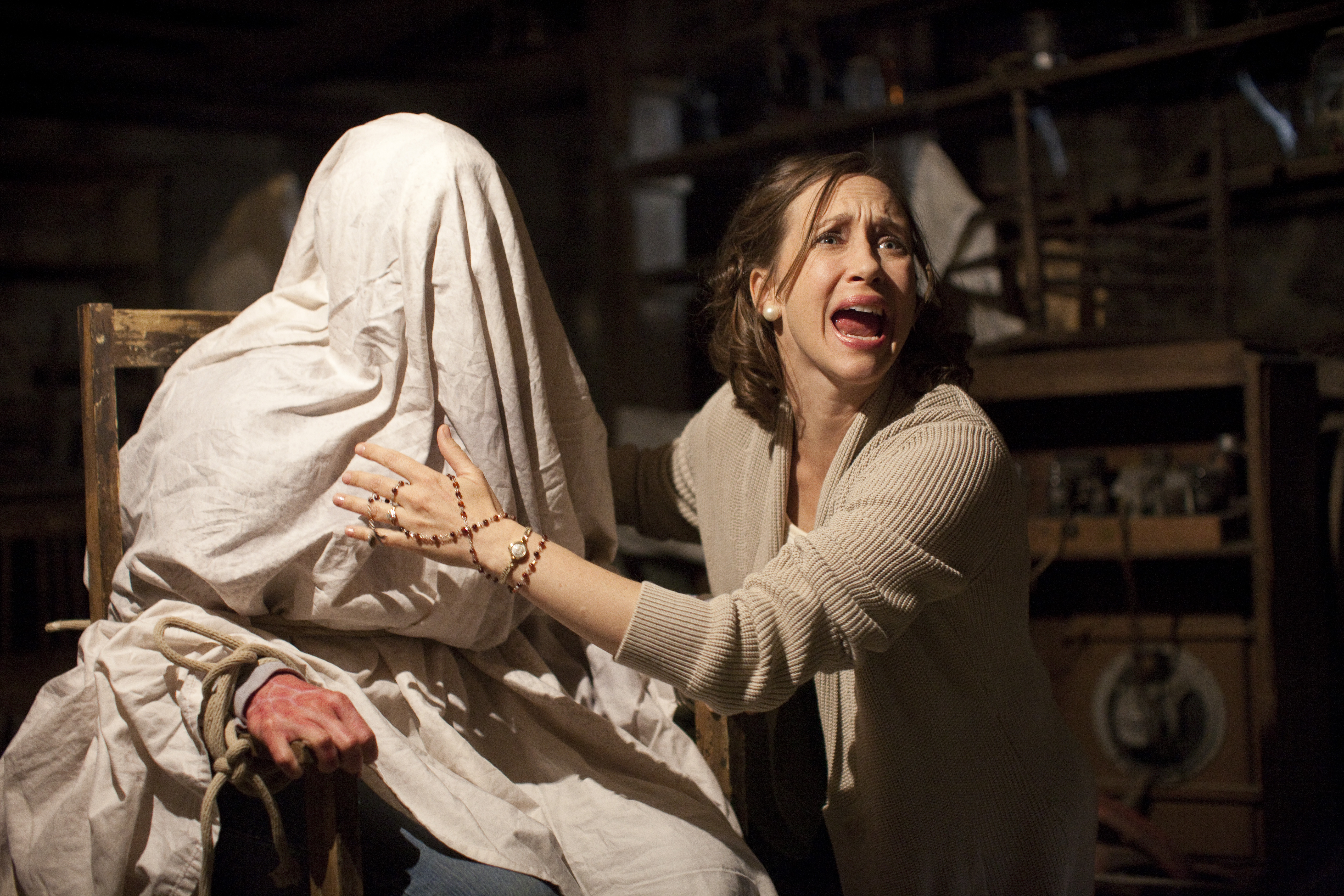 CJD SE 11991 New Stills From The Conjuring Released
