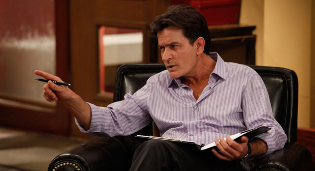 Charlie Sheen Defends Anger Management Producer in Lawsuit Charlie Sheen Defends Anger Management Producer in Lawsuit