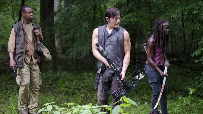 Devour The Walking Deads Talked About Scene From Season 4s Isolation The Walking Dead Fan Favorite Character Daryl Could Be Gay