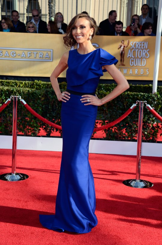 E Host Giuliana Rancic Stans in Max Azria Atellier Gown at SAG Awards 20131 E! Host Giuliana Rancic Stans in Max Azria Atellier Gown at SAG Awards 2013