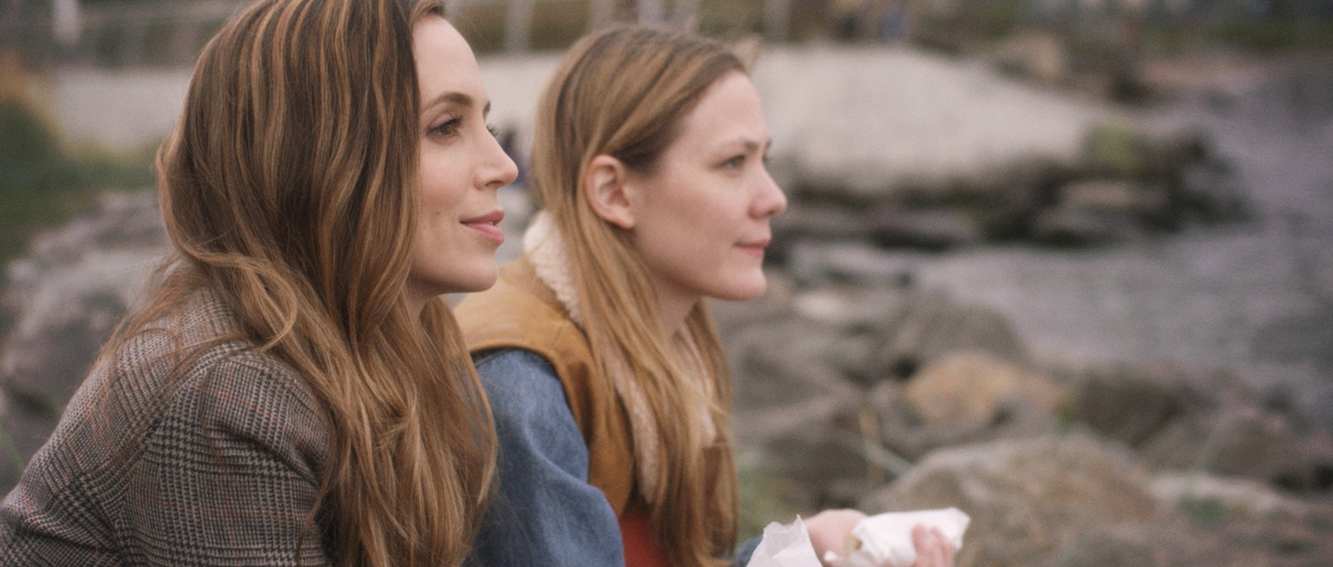Eliza Dushku and Louisa Krause Argue that Jane Wants a Boyfriend in Clip Premiere