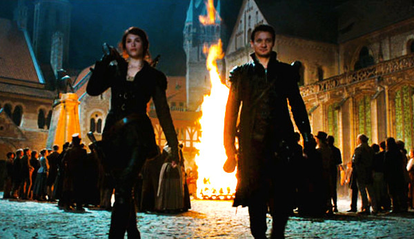 Hansel and Gretel Movie Review1 Hansel and Gretel: Witch Hunters Movie Review