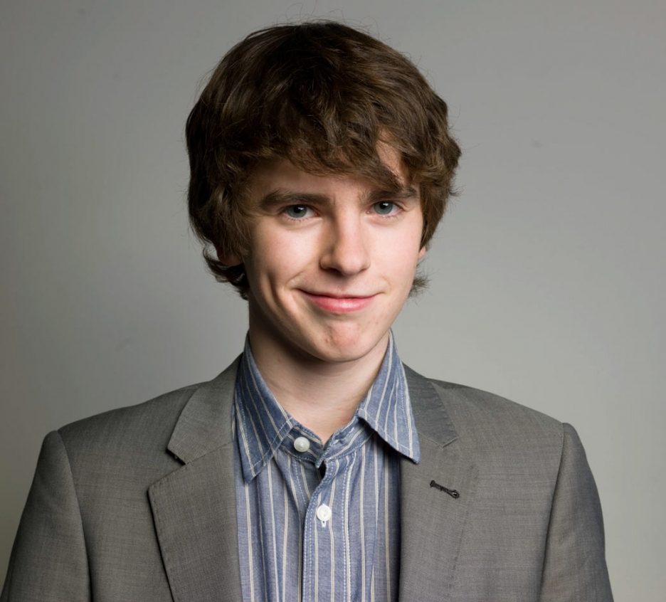 Freddie Highmore earned a  million dollar salary, leaving the net worth at 1.5 million in 2017
