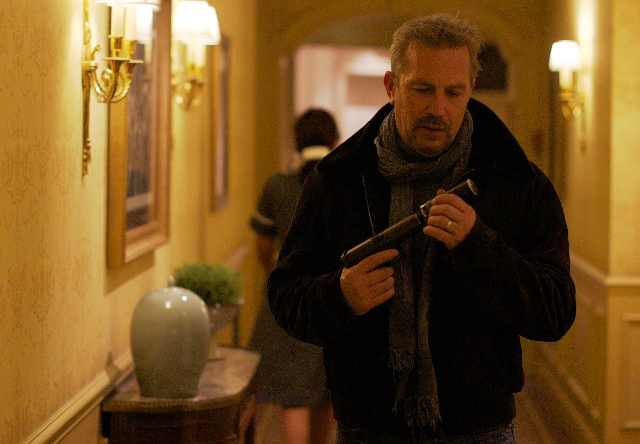 M 087 DF5E6389 Hcc cr Kevin Costner Has 3 Days to Kill In New Official Film Image