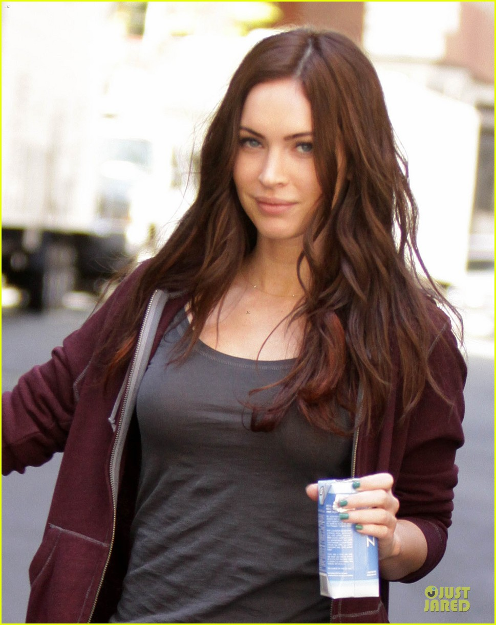Megan Fox Hot in Teenage Mutant Ninja Turtles First Look at Megan Fox in Teenage Mutant Ninja Turtles