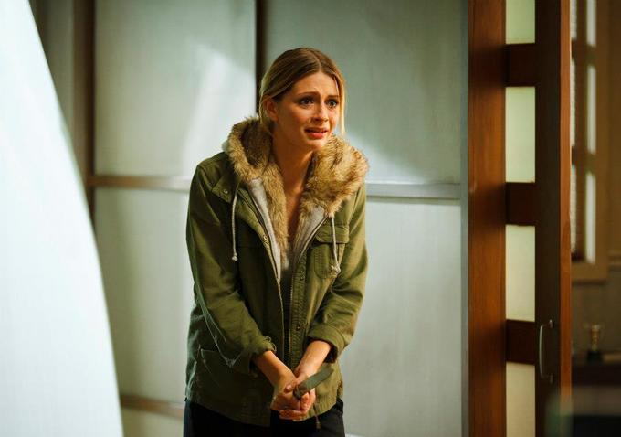 Mischa Barton Appears in Apartment 1303 3D