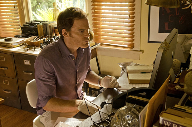New Dexter Season 8 Episode 3 New Dexter Season 8 Episode 3 Promos Whats Eating Dexter Morgan?