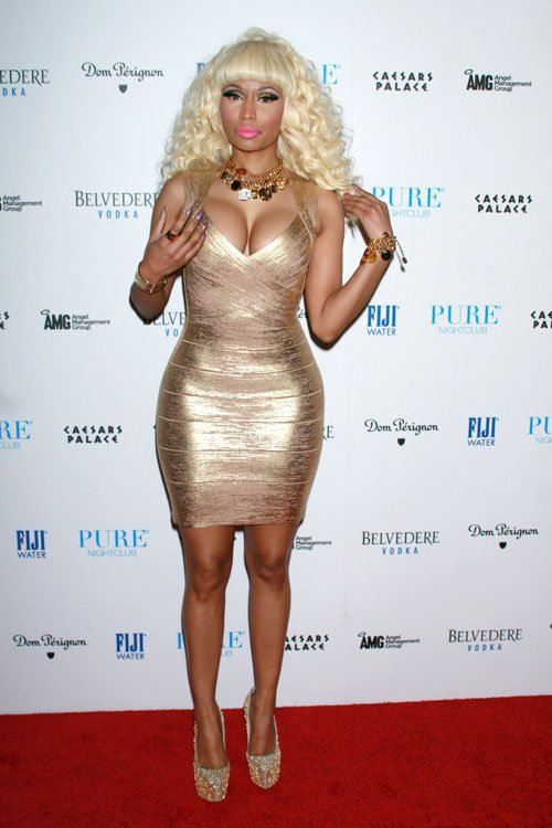 Nicki Minaj Rings in the New Year in BCBGMAXAZRIA1 Singers Ring in the New Year in BCBGMAXAZRIA Group Styles