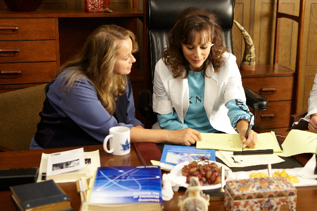 Samantha Morton and Rashida Jones in Decoding Annie Parker
