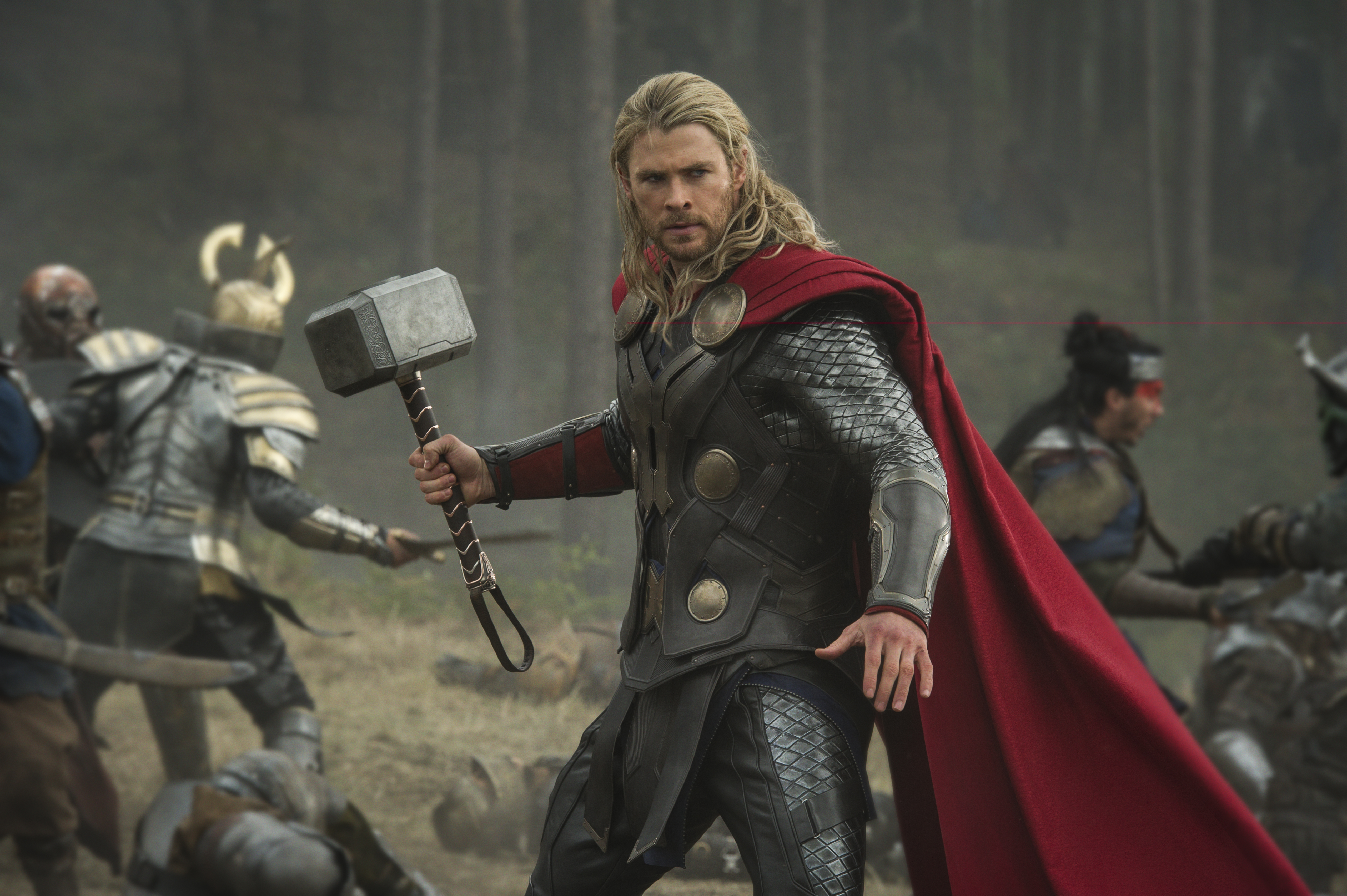 TM 04371 R Teaser Trailer and First Look Images for Thor: The Dark World Released