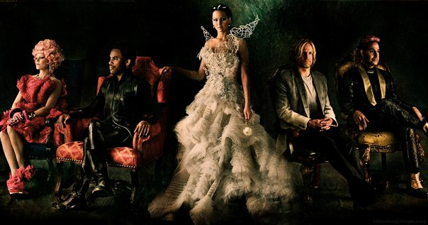 The Hunger Games Portrait Catching Fire Set Photo Discovered Plus A Really Cool Portrait