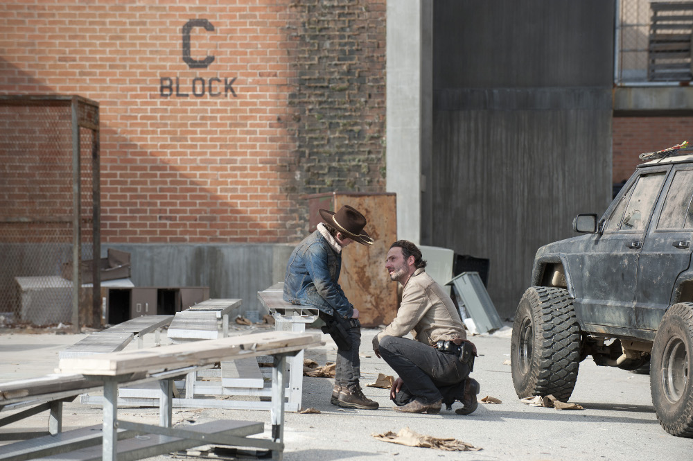 The Walking Dead Season 3 Finale Exclusive: Revealing New Photos from The Walking Dead Finale Episode