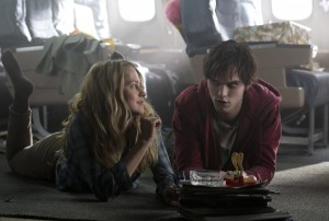 WB 012 DF JT 17314 300x202 WARM BODIES