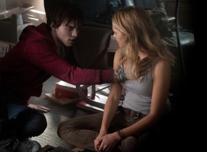 WB 013 DF 01918 300x221 WARM BODIES