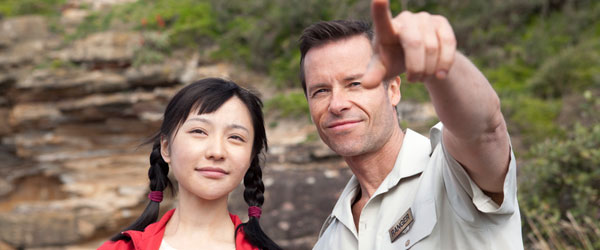 Zhu Lin and Guy Pearce in 33 Postcards