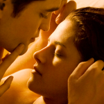 breaking dawn sexy time1 150x150 Kristen Stewart Best Kiss Acceptance Speech