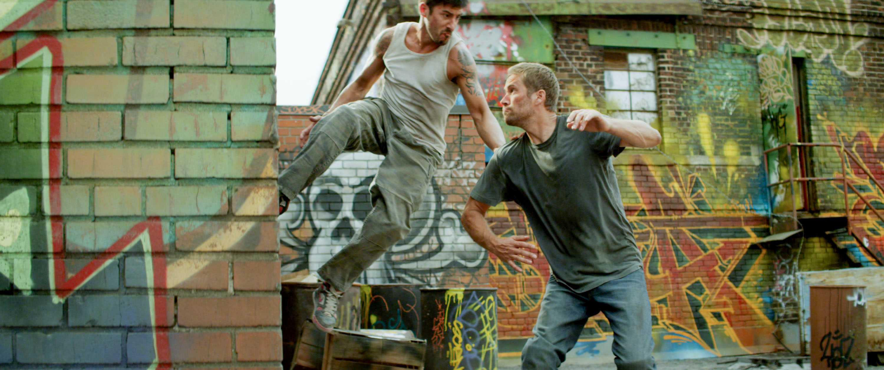 brick mansions M 289 1426483 rgb Paul Walker and David Belle Perform Stunts in Brick Mansions Clips