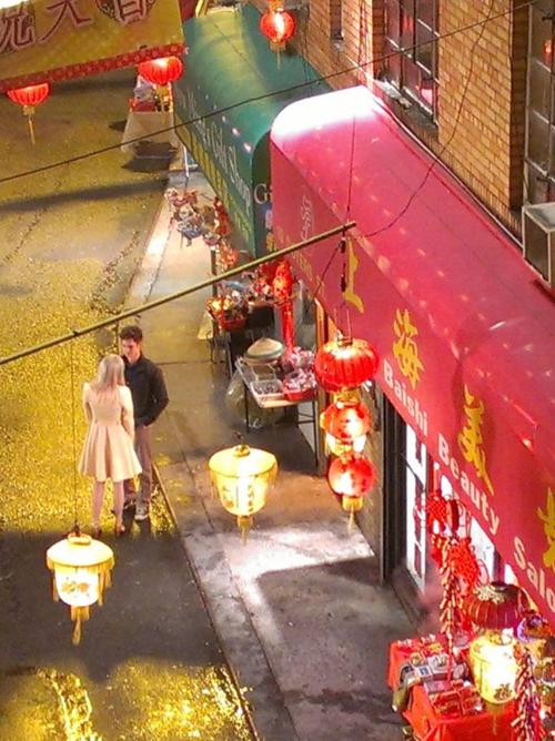 emma stone amazing spider man 2 andrew garfield china town Emma Stone and Andrew Garfield on The Amazing Spider Man 2 Set Video and Stills