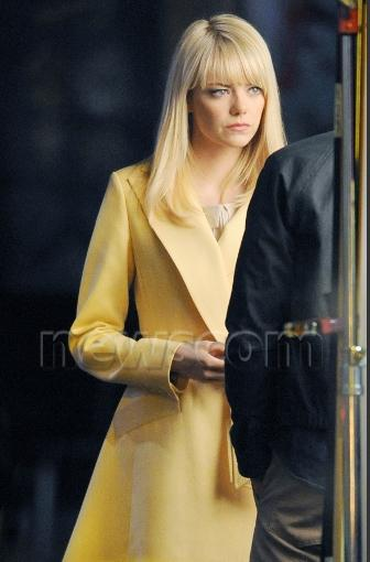 emma stone amazing spider man21 Emma Stone and Andrew Garfield on The Amazing Spider Man 2 Set Video and Stills