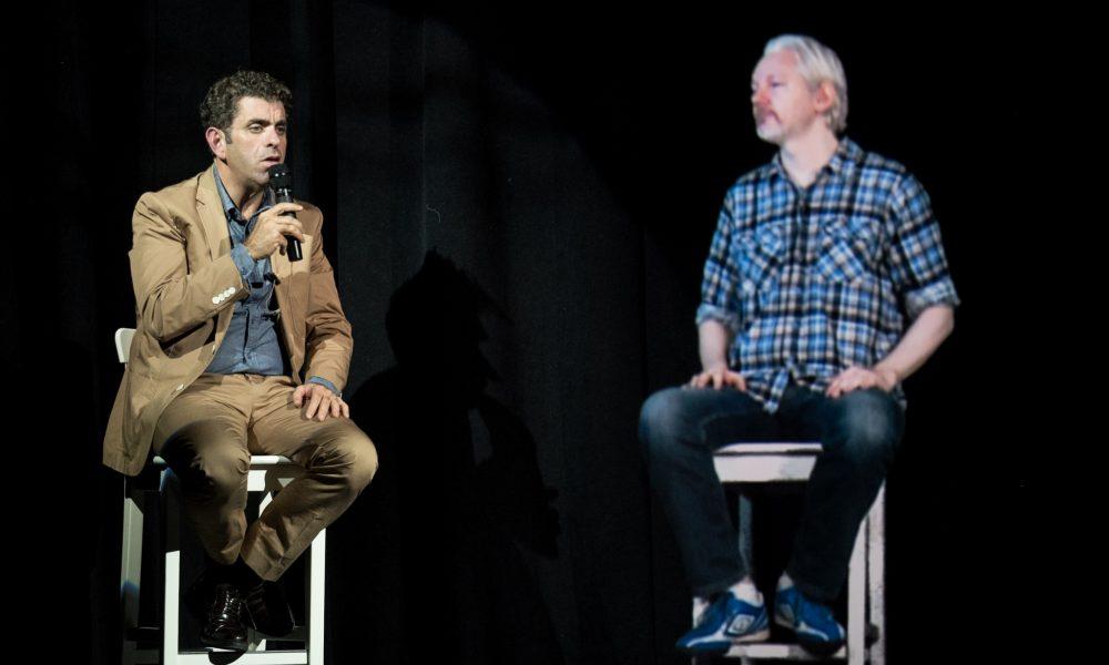 julian assange hologram