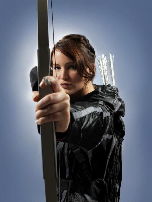 katniss catching fire arrow First Official Images from The Hunger Games: Catching Fire