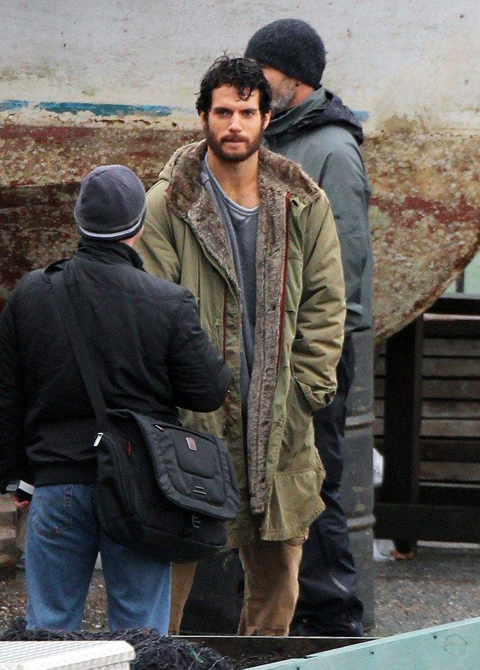 man of steel set beard New Superman: Man of Steel Set Photos and Stills