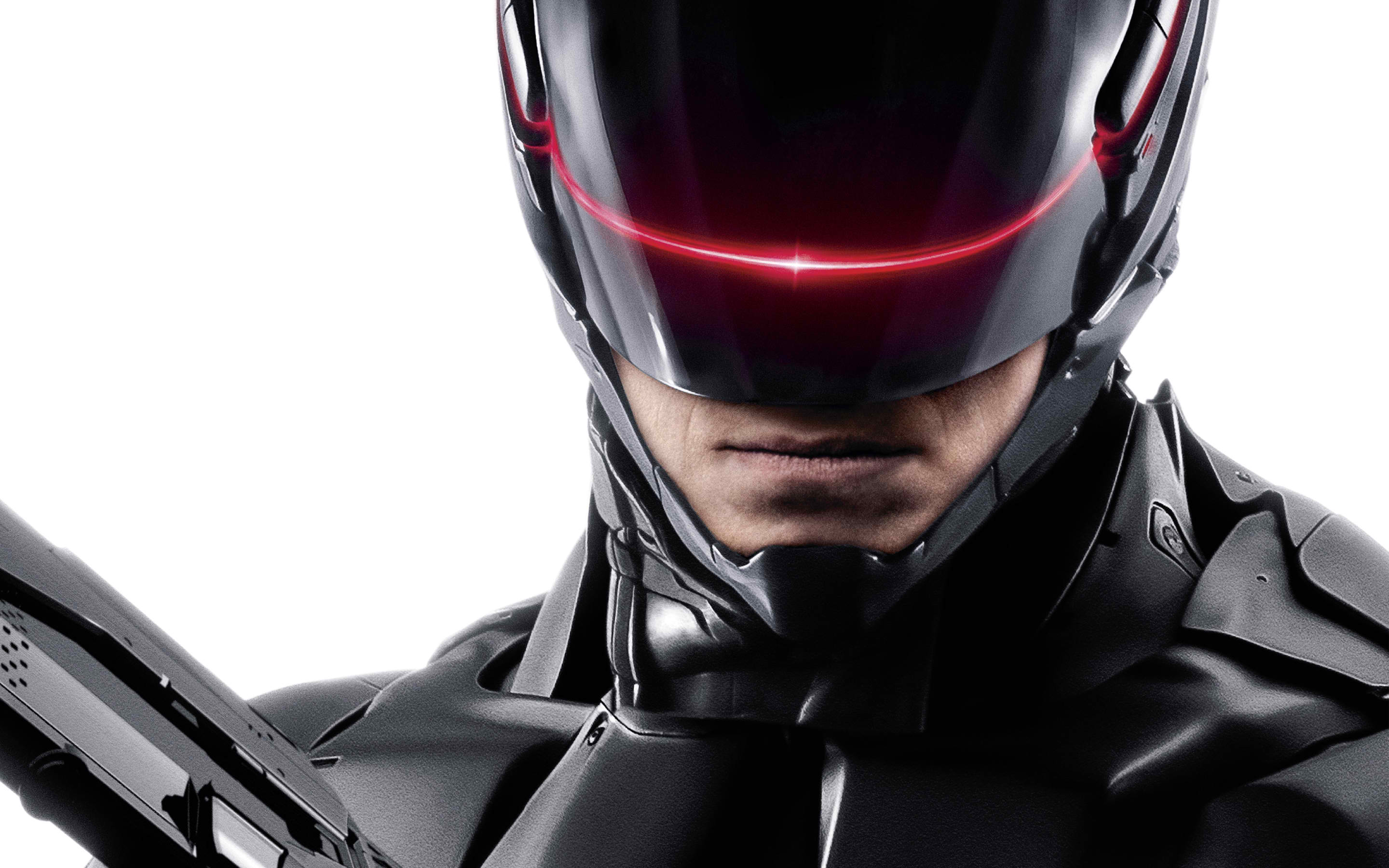 robocop Interview: Michael Keaton Talks RoboCop and Acting In a Full Body Suit