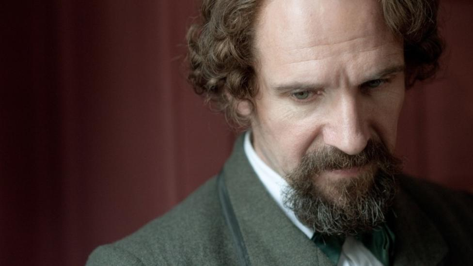 the invisible woman ralph fiennes Interview: Ralph Fiennes Talks The Invisible Woman, Juggling Acting and Directing