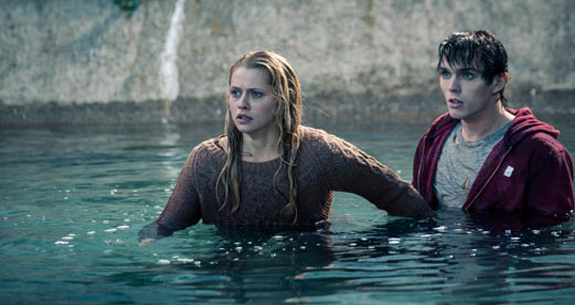 warm bodies water1 Warm Bodies Movie Review 3