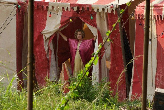 Jessica Lange as Elsa Mars AHS Freak Show Ep 2